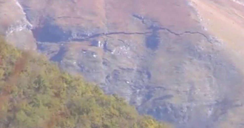 Enorme e vistosa spaccatura sul monte Porche