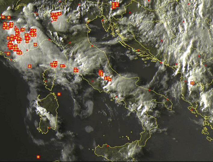 Immagini satellitari dal canale del visibile, le ultime di stasera