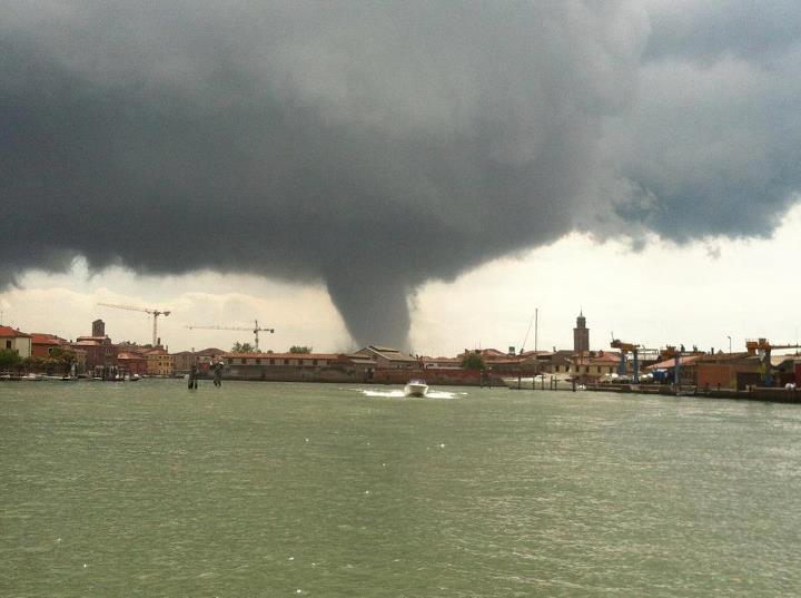 Tornado Venezia - immagini incredibili