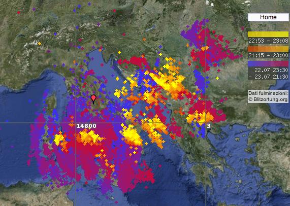 15000 scariche elettriche sull'Italia il 23 Luglio 2012