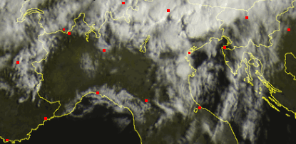 Immagini satellitari ore 9.30 - temporali diffusi sul Nord-Est