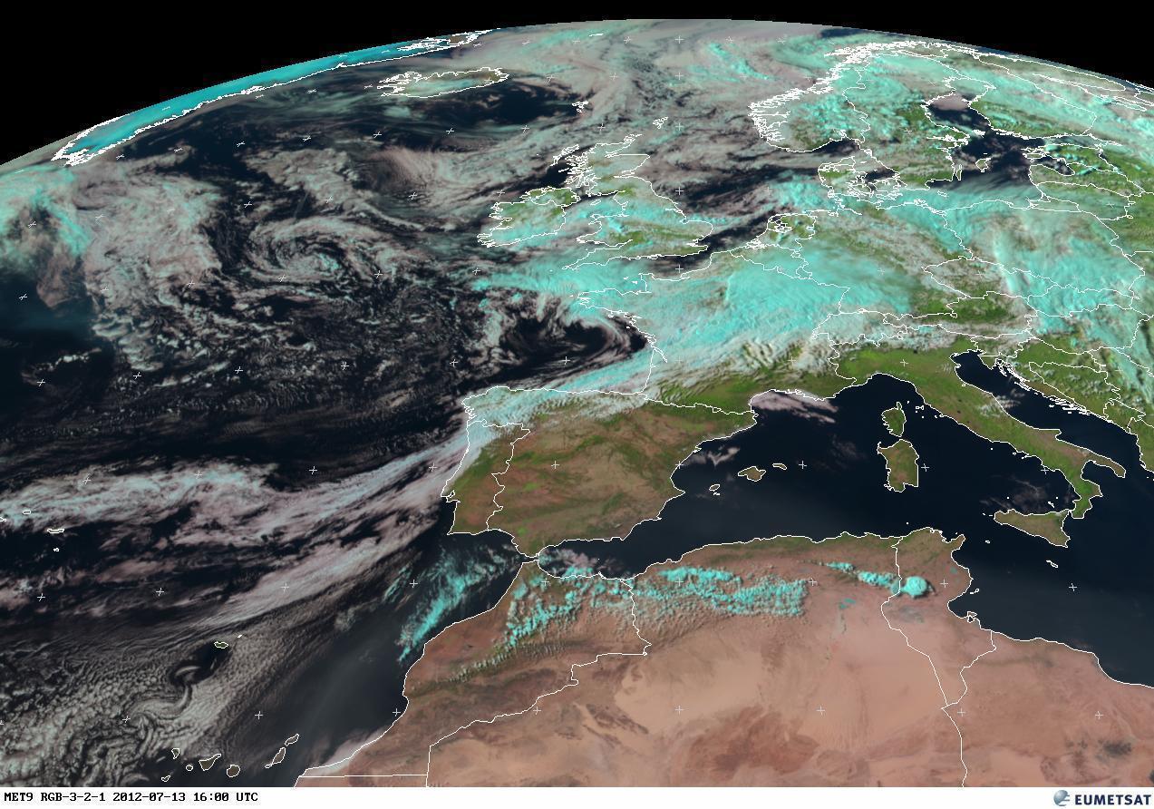 RGB, immagine dal satellite. Europa divisa in due, al Nord nuvolosità e piogge, sui settori meridionali correnti calde stabili
