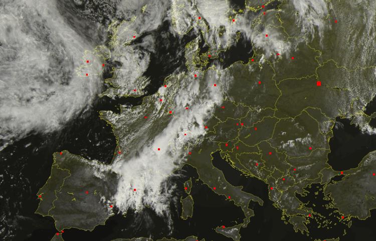Europa vista dal satellite - cielo sgombro da nubi sull'Ucraina