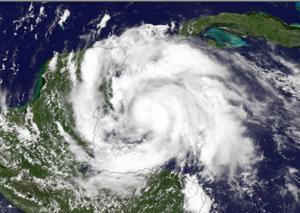 Uragano Ernesto, immagine satellitare del 7 Agosto 2012 nel Golfo del Messico (fonte NOAA)