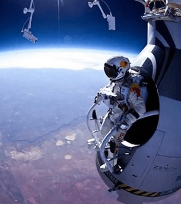 lancio felix baumgartner caduta libera dallo spazio