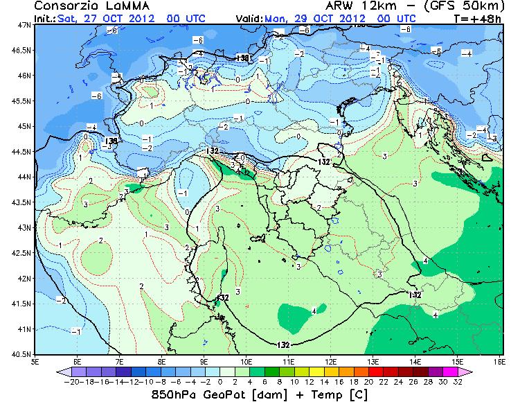Modello WRF LAMMA TOSCANA, spostamento del nucleo freddo verso la Pianura Padana nella notte di Lunedì 29 Ottobre 2012