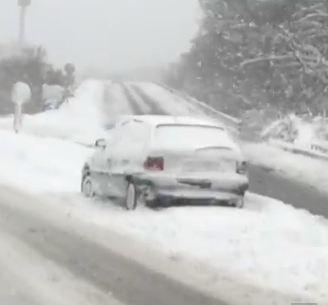 Dicembre 2012, neve e gelo nei Balcani- strade bloccate dal ghiaccio e dal manto nevoso