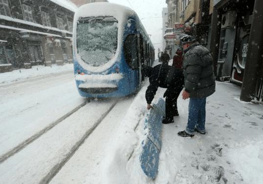 Dicembre 2012,neve e gelo nei Balcani, Zagabria bloccata dalla neve e dal ghiaccio