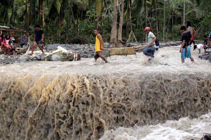 Tifone Filippine 6 Dicembre 2012