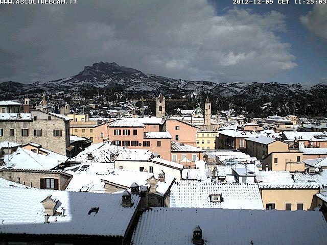 Maltempo Domenica 9 Dicembre 2012 neve su Marche ed Abruzzo Ascoli Piceno