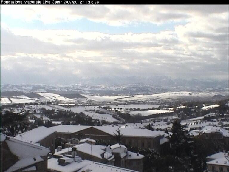 Maltempo Domenica 9 Dicembre 2012, neve su Marche ed Abruzzo Macerata