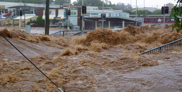 Australia: dopo il caldo torrido alluvioni e tornado