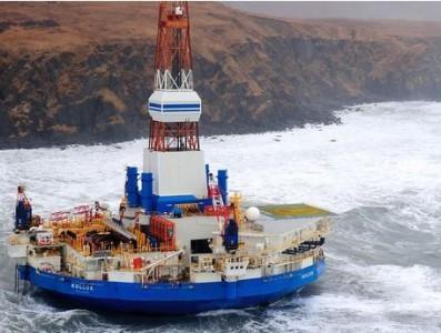 Alaska piattaforma petrolifera in balia del maltempo