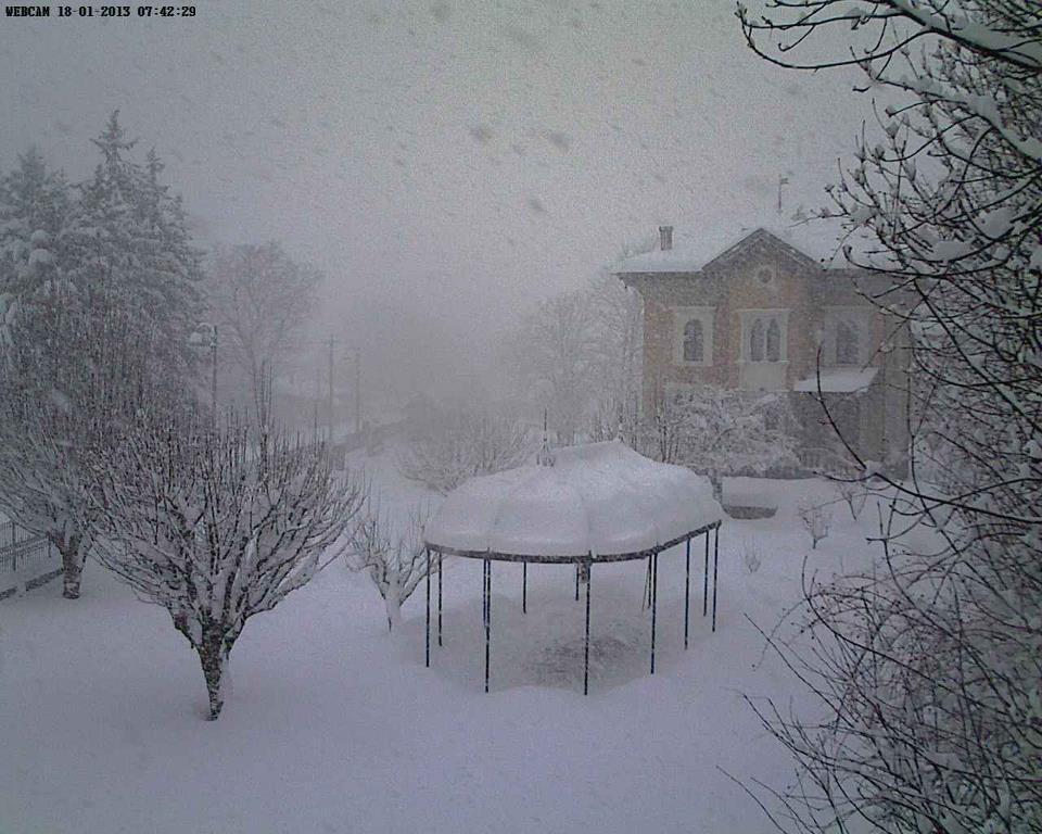 Tanta neve in aAbruzzo. Superati i 30 cm di accumulo sull'Appennino