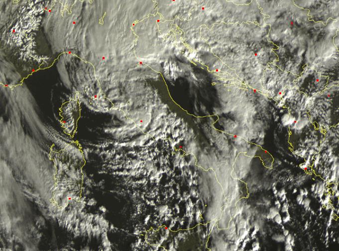 Scatto satellitare Ore 9.00 - Evidente la barriera appenninica