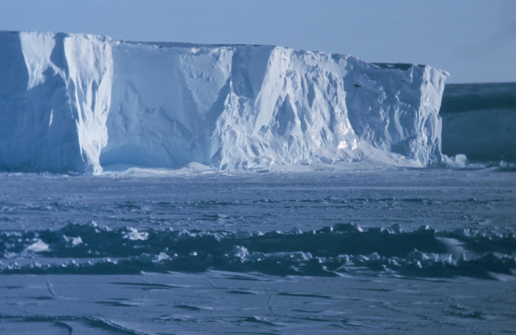 Clima Antartide occidentale: si sciolgono velocemente i ghiacciai