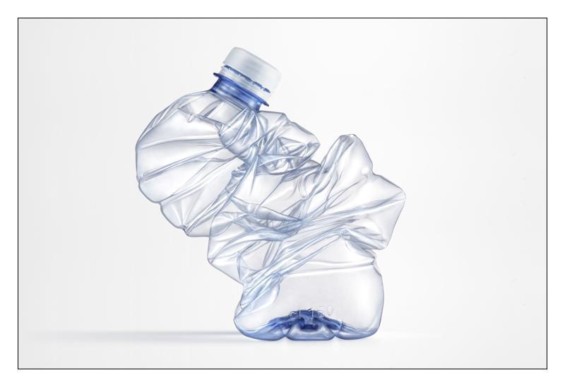 Bottiglie d'acqua vietate dalla legge