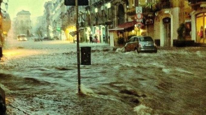 SICILIA: Catania ieri 21 Febbraio 2013