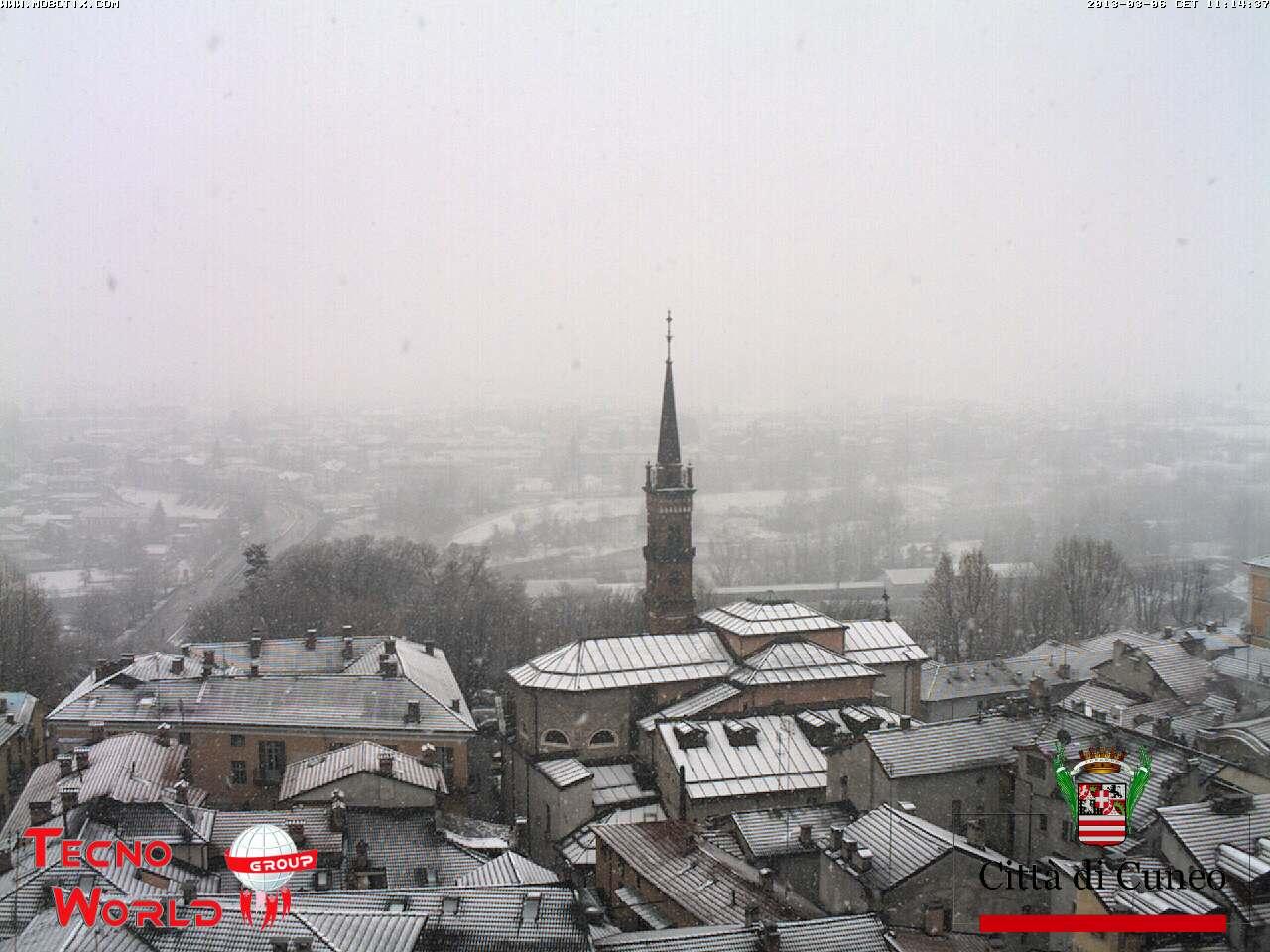 Lombardia, Piemonte: maltempo e ritorno della neve. Cuneo imbiancata
