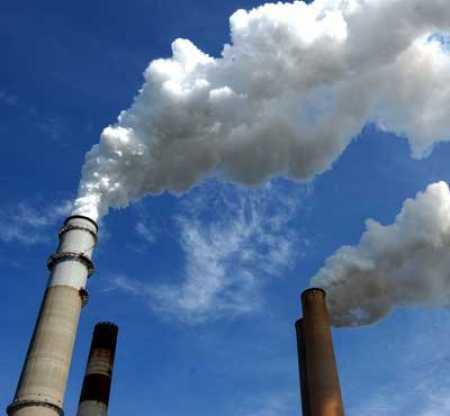 L'inquinamento atmosferico: recenti studi hanno mostrato che l'inquinamento atmosferico è temibile almeno quanto la malaria o l' HIV (fonte:catfishingitalia.it)