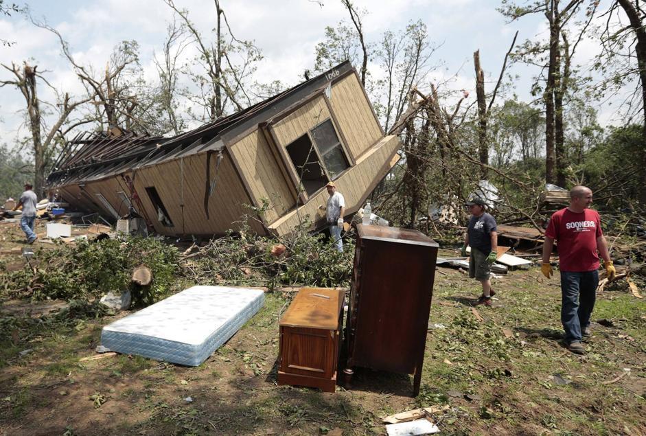 Tornado colpisce Oklahoma