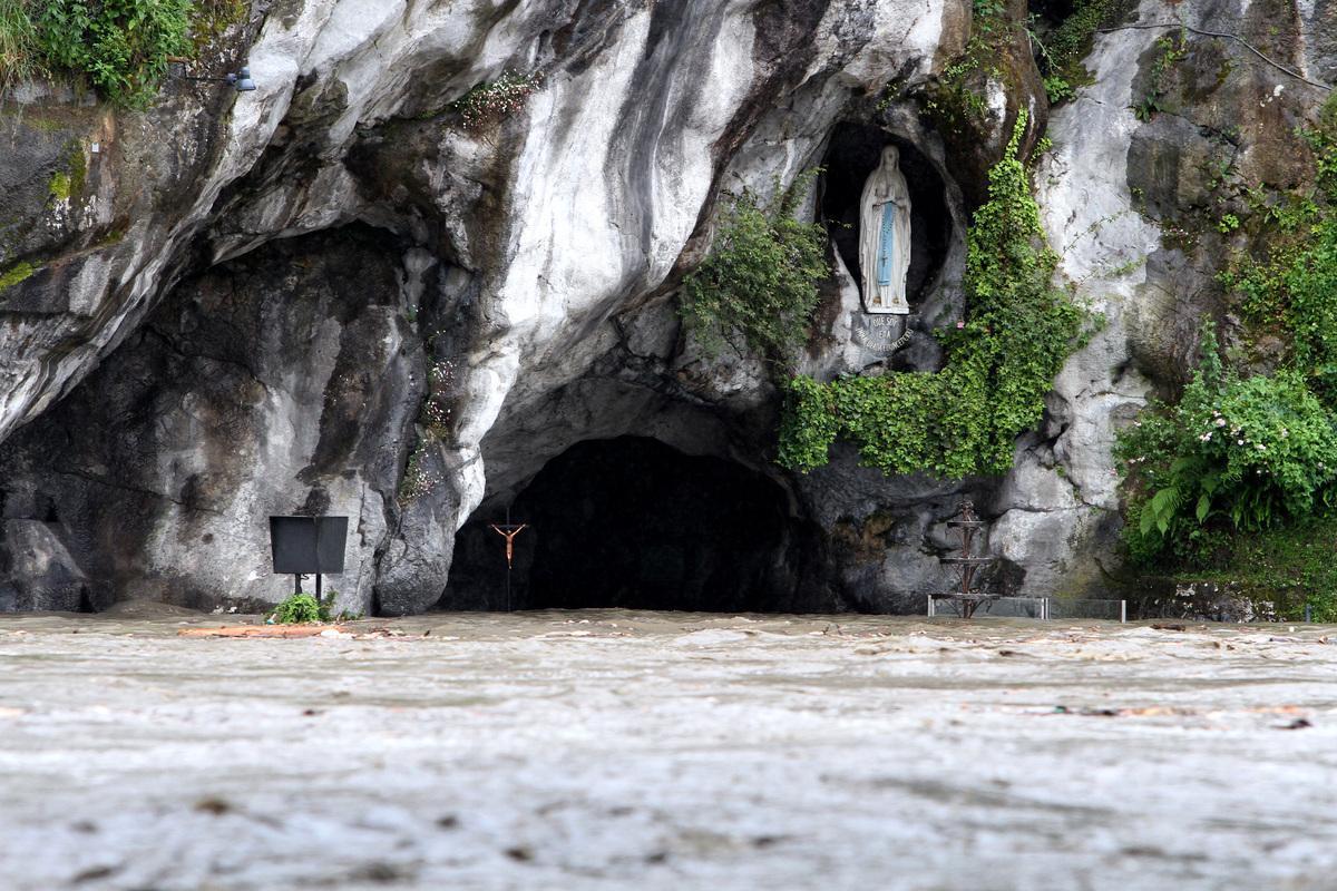 Francia : Inondazioni a Lourdes
