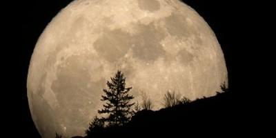 Super Luna 2013: ecco quando e come si consiglia osservarla.