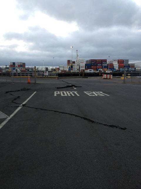 Nuova Zelanda : Crepe sulle strade dopo la scossa M6.6