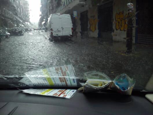 Nubifragio Taranto 12 Luglio 2013: violento maltempo nel tarantino oggi pomeriggio.