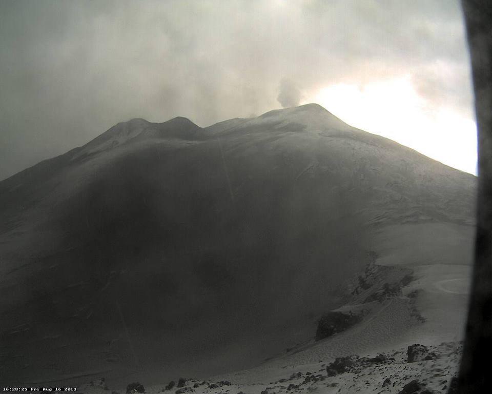 Neve estiva sulla cima dell'Etna - 16 Agosto 2013