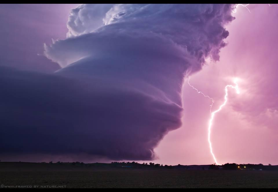 Allerta temporali nel pomeriggio , rischio di fenomeni violenti