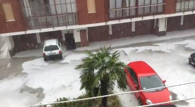 Tempesta di grandine si abbatte su Torino