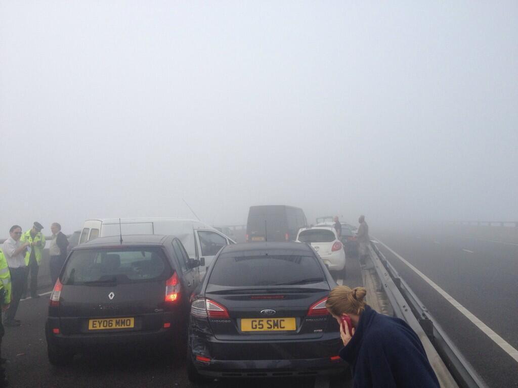 Inghilterra : terrificante maxi-tamponamento a causa della nebbia