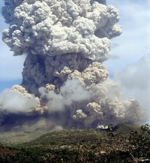 Soufriere Hills vulcano in eruzione nel 1995.