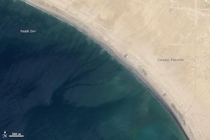 Rappresentata la stessa aerea della foto precedente, scattata il 17 aprile 2013.