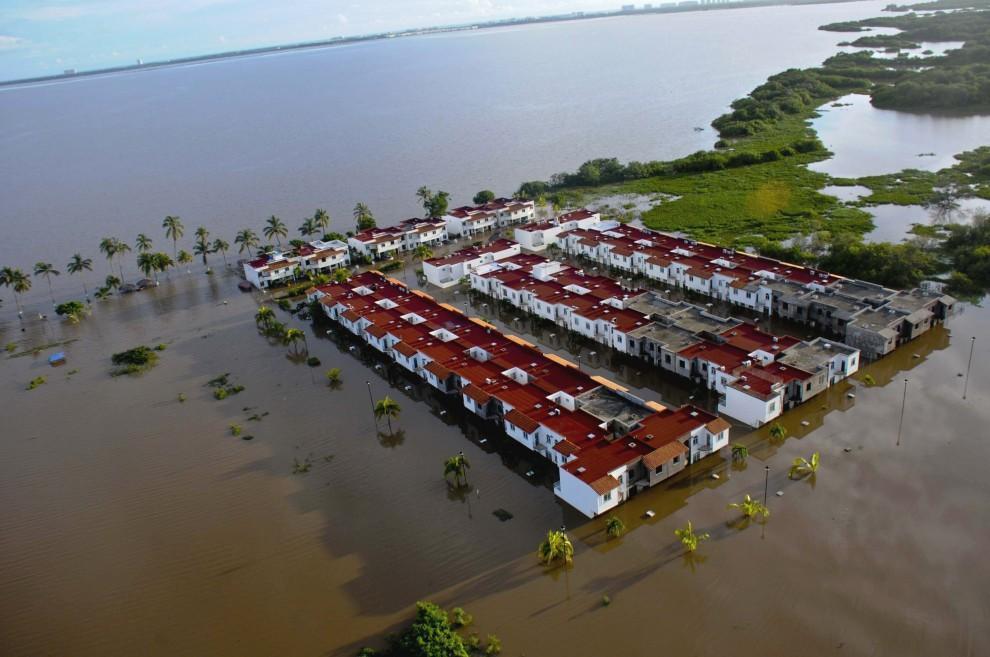 Alluvione Messico: il maltempo porta devastazione e morti