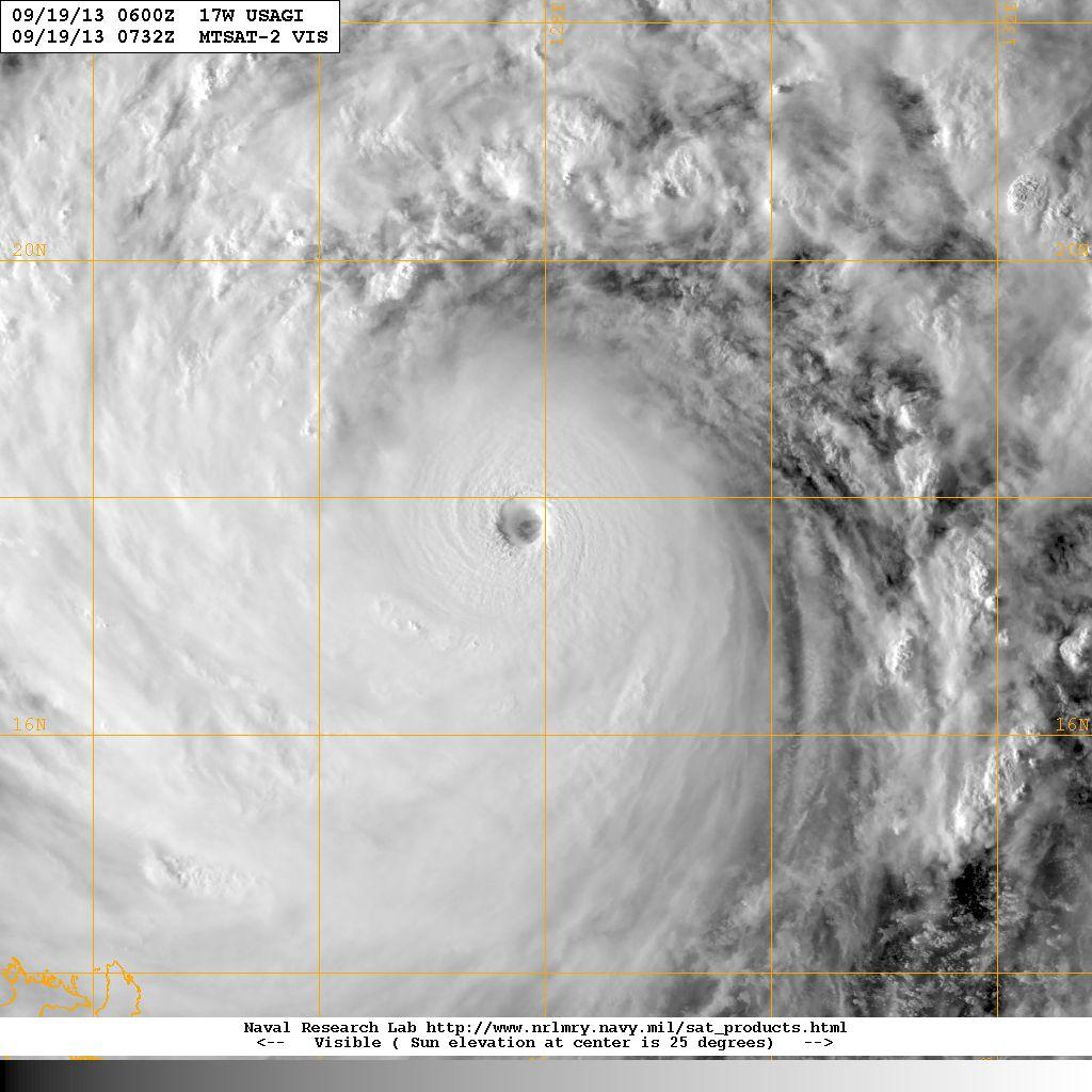 Il Tifone Usagi visto dal satellite