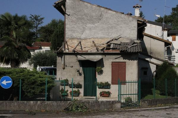 Abitazioni e tetti danneggiati