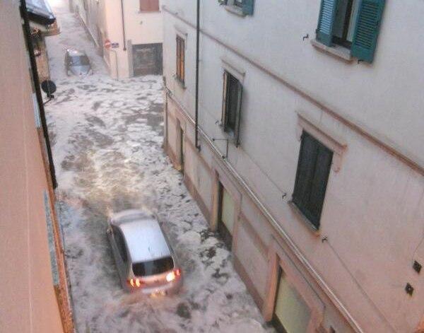 Piemonte : violenta grandinata si abbatte su Borgomanero