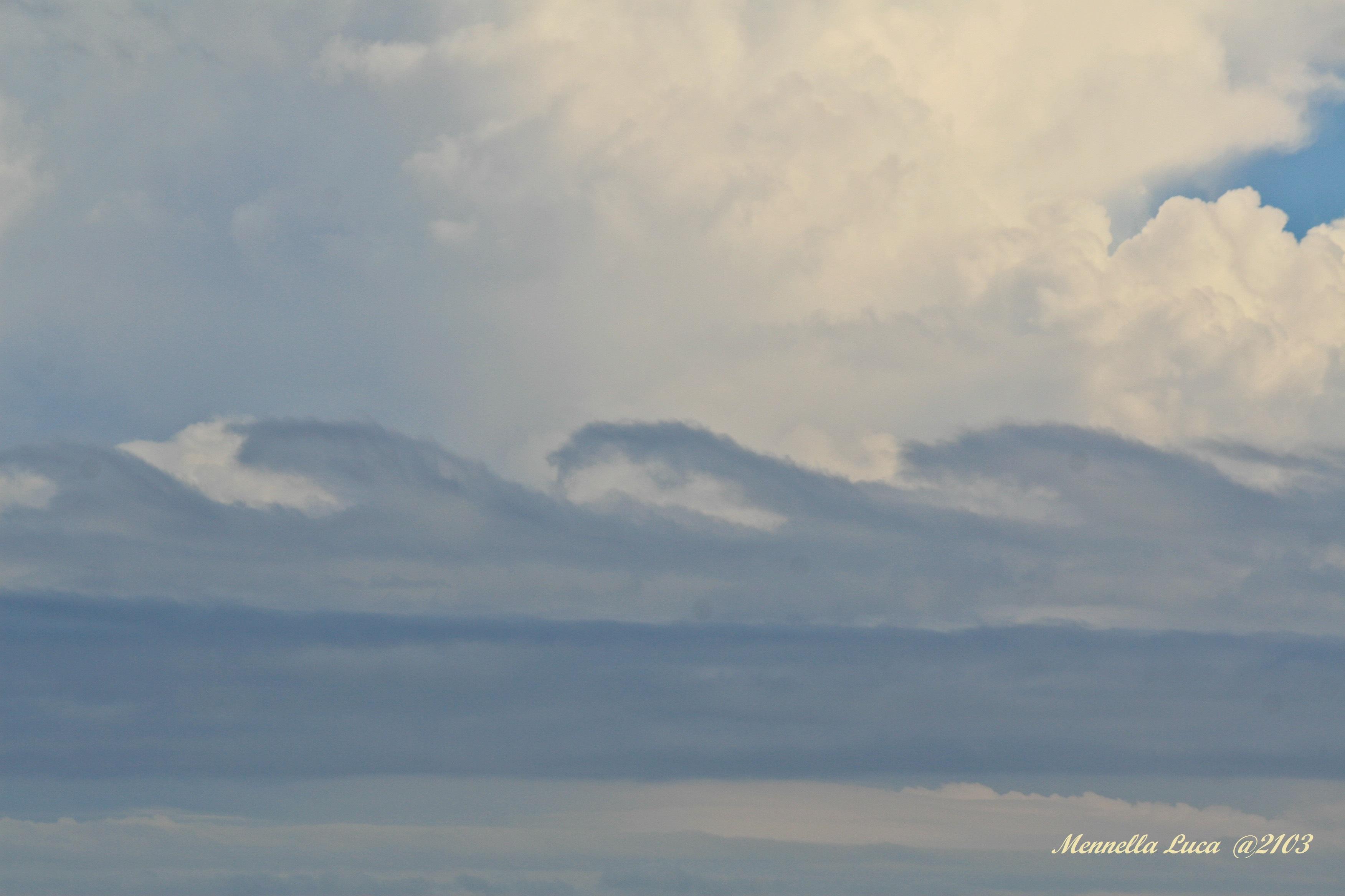 Instabilità di Kelvin Helmholtz. Foto del 9 Ottobre 2013nei pressi dalle coste Abruzzesi.