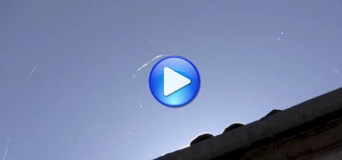 Misteriosi filamenti bianchi cadono dal cielo in Italia - I VIDEO