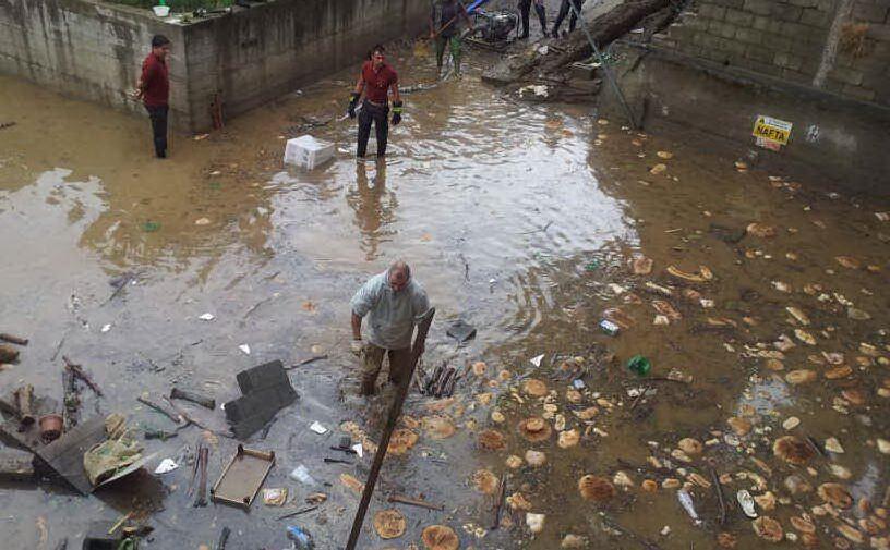 Nubifragio su Guspini (Cagliari): zona di un panificio completamente allagata