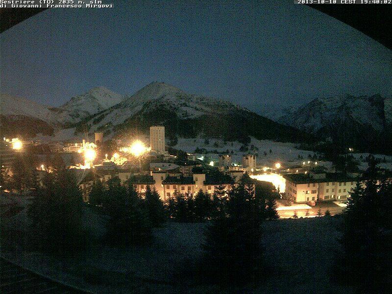 Neve in atto al Sestriere (Piemonte)