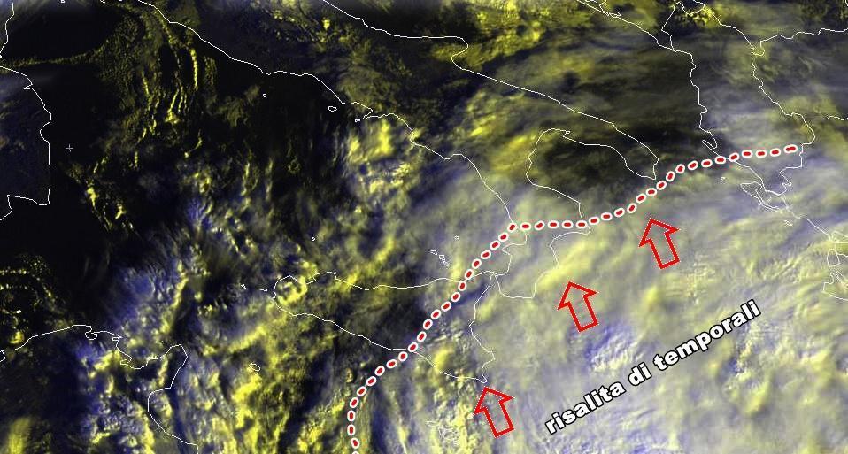 Enorme perturbazione in arrivo al Sud  - scatto satellitare di pochi minuti fa