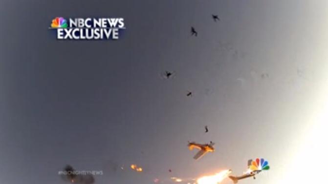 Ultim'ora: terribile incidente fra due aerei, il video della collisione in diretta
