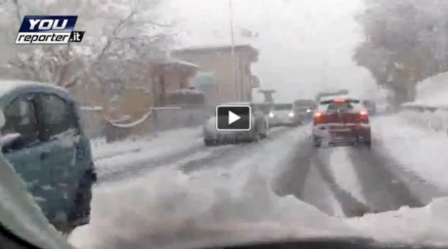 Maltempo Abruzzo: Neve a l'Aquila, città paralizzata dalla bufera, ecco il video!