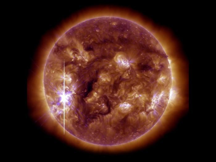 Potente esplosione avvenuta sul Sole: immagini e video