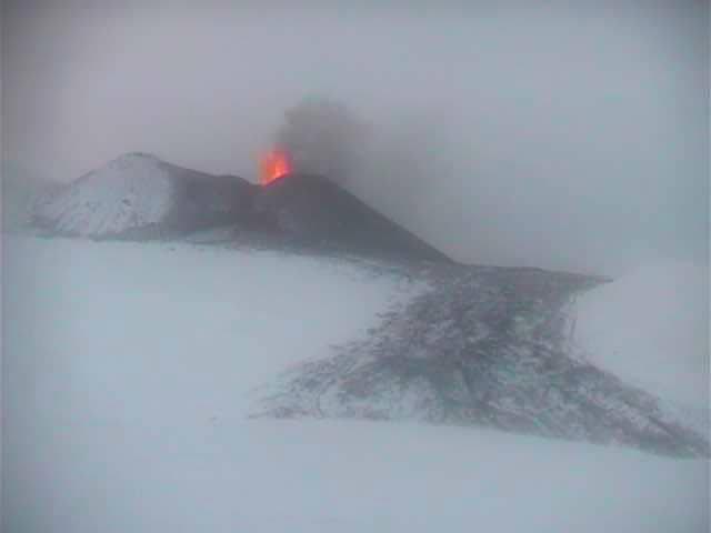 Eruzione dell'Etna, foto scatta oggi da Turi Caggegi