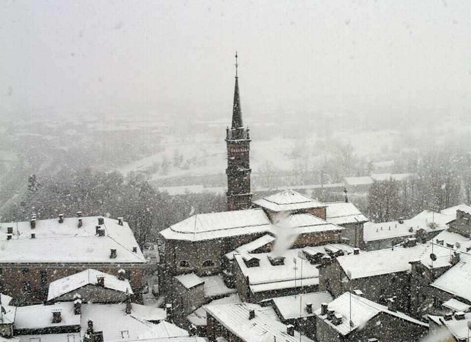 Meteo Piemonte: maltempo e neve a quote medio-basse in arrivo sui settori occidentali.