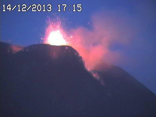 Eruzione Etna 14 Dicembre 2013 : nuovo parossismo in atto